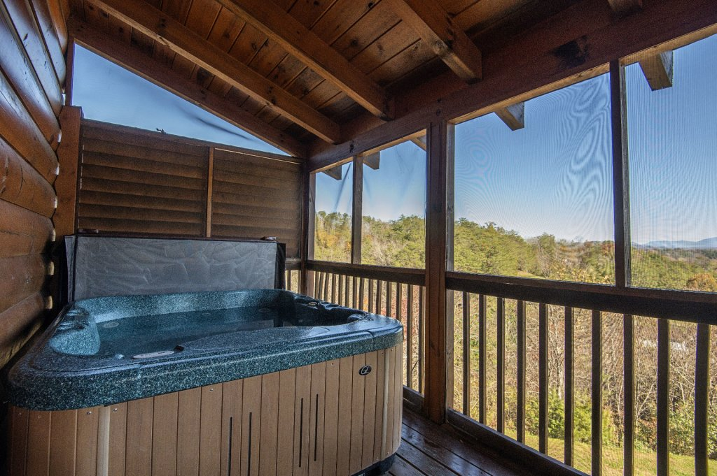 Photo of a Sevierville Cabin named  The Cedars - This is the twenty-second photo in the set.