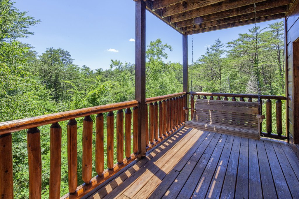 Photo of a Sevierville Cabin named  Simply The Best - This is the twenty-seventh photo in the set.