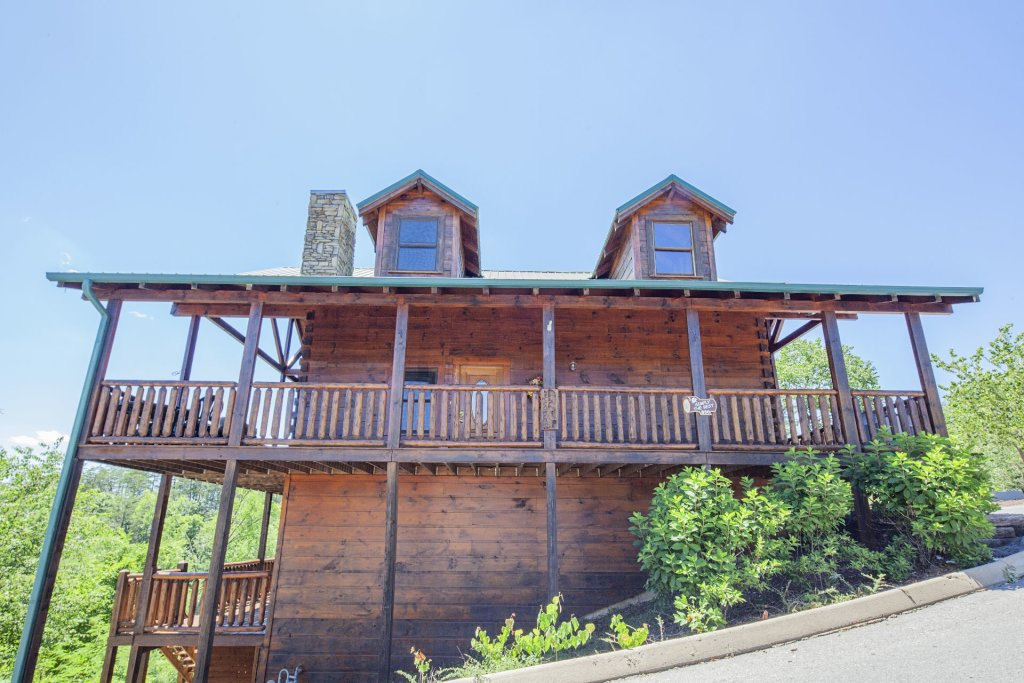 Photo of a Sevierville Cabin named  Simply The Best - This is the forty-seventh photo in the set.
