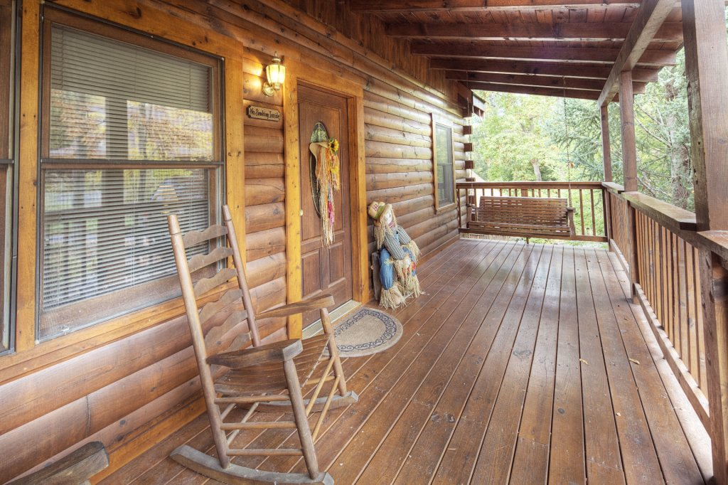 Photo of a Pigeon Forge Cabin named  Eagle's Beauty - This is the third photo in the set.