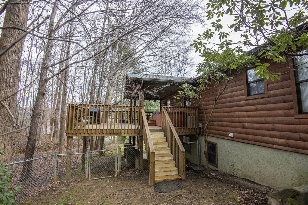 Photo of a Gatlinburg Cabin named Homespun Hospitality - This is the forty-third photo in the set.