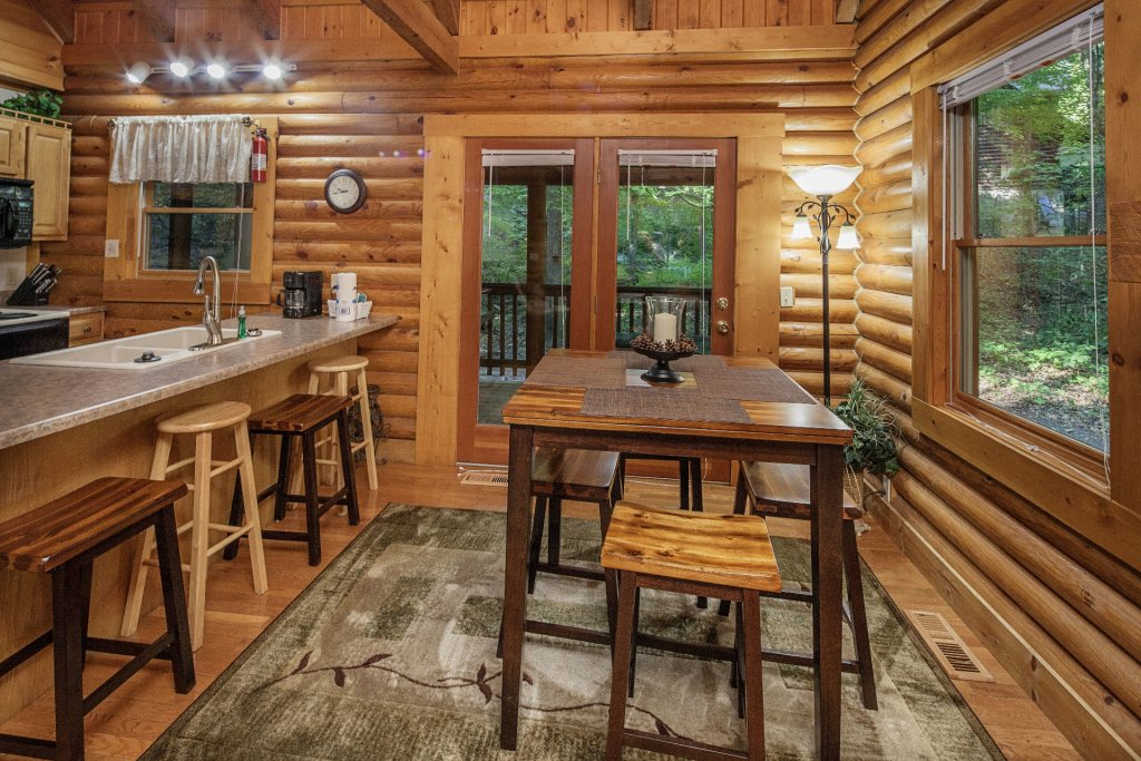 Photo of a Pigeon Forge Cabin named  Mountain Majesty - This is the ninth photo in the set.