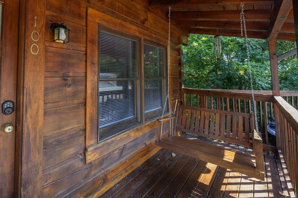 Photo of a Pigeon Forge Cabin named  Making Memories - This is the eighteenth photo in the set.