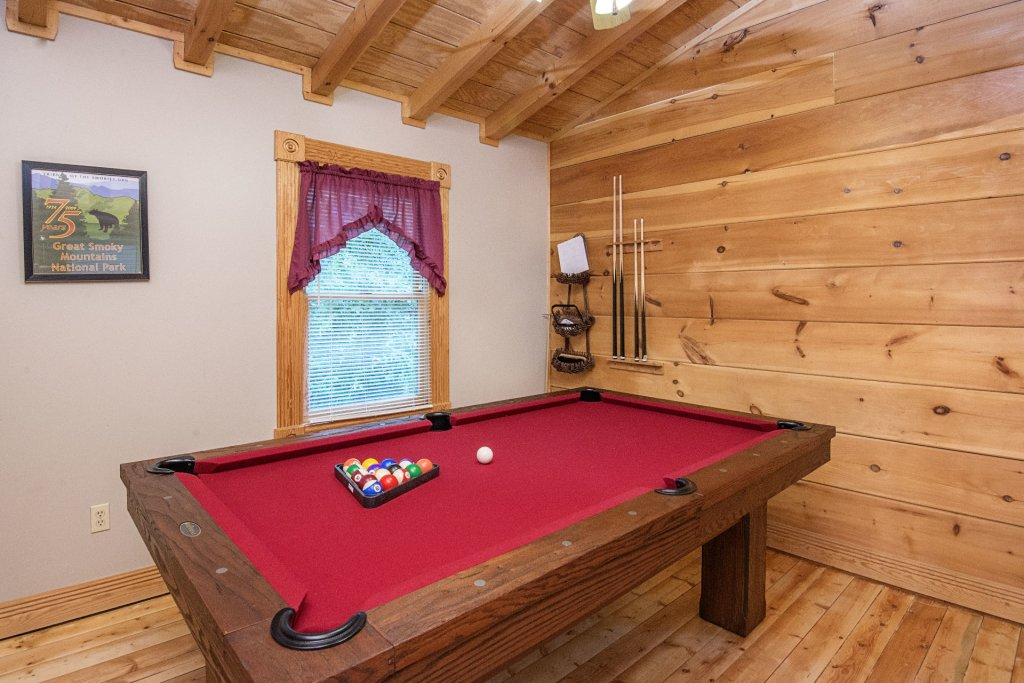 Photo of a Pigeon Forge Cabin named  Making Memories - This is the sixth photo in the set.