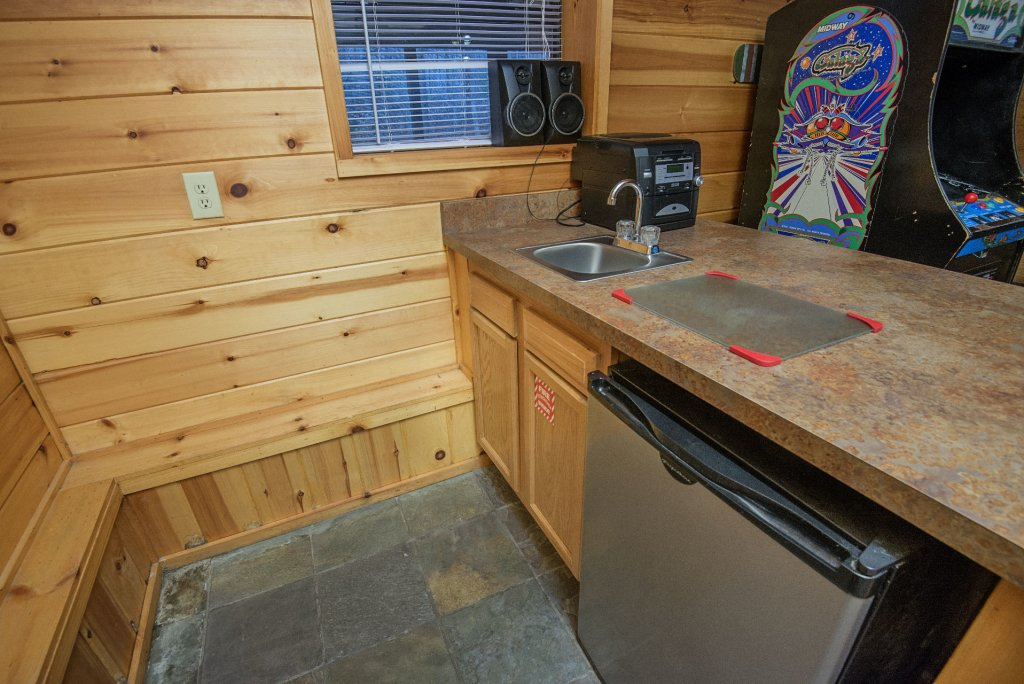 Photo of a Gatlinburg Cabin named Homespun Hospitality - This is the twenty-sixth photo in the set.