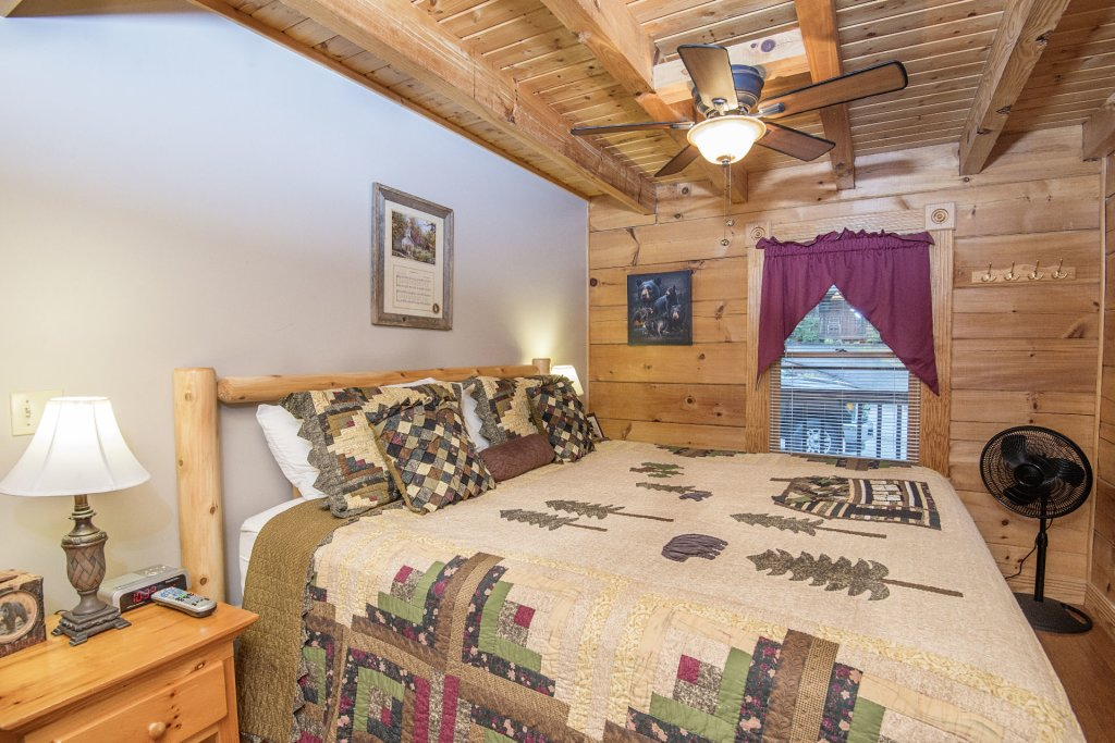 Photo of a Pigeon Forge Cabin named  Making Memories - This is the twentieth photo in the set.