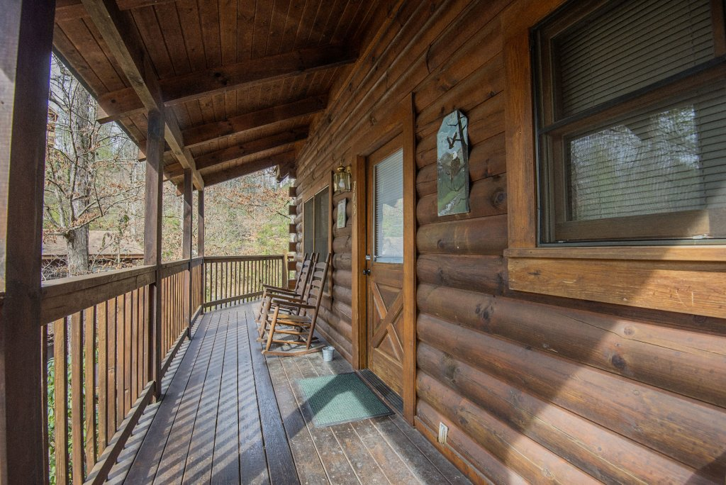 Photo of a Pigeon Forge Cabin named  Happy Haven - This is the twenty-fifth photo in the set.