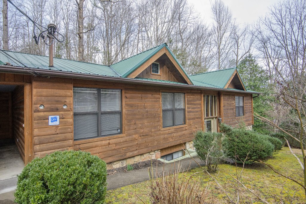 Photo of a Gatlinburg Cabin named Homespun Hospitality - This is the thirty-sixth photo in the set.
