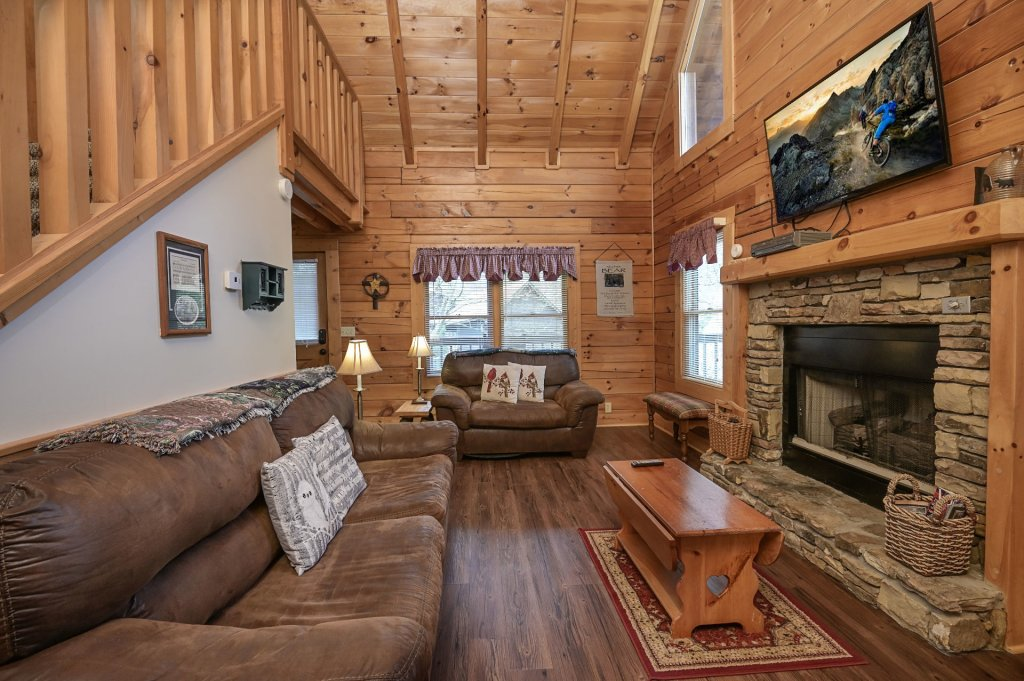 Photo of a Pigeon Forge Cabin named  Happy Haven - This is the second photo in the set.
