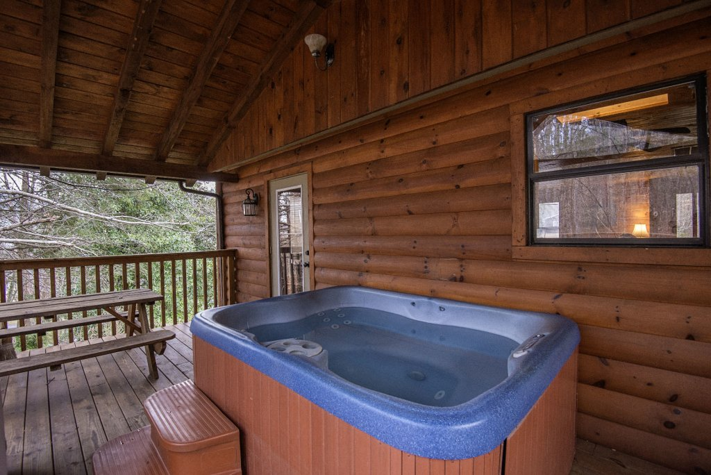 Photo of a Gatlinburg Cabin named Homespun Hospitality - This is the forty-ninth photo in the set.