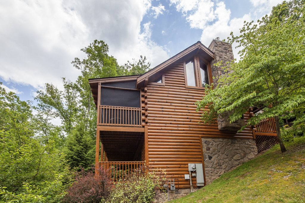 Photo of a Pigeon Forge Cabin named  Smooth Landing - This is the twenty-second photo in the set.