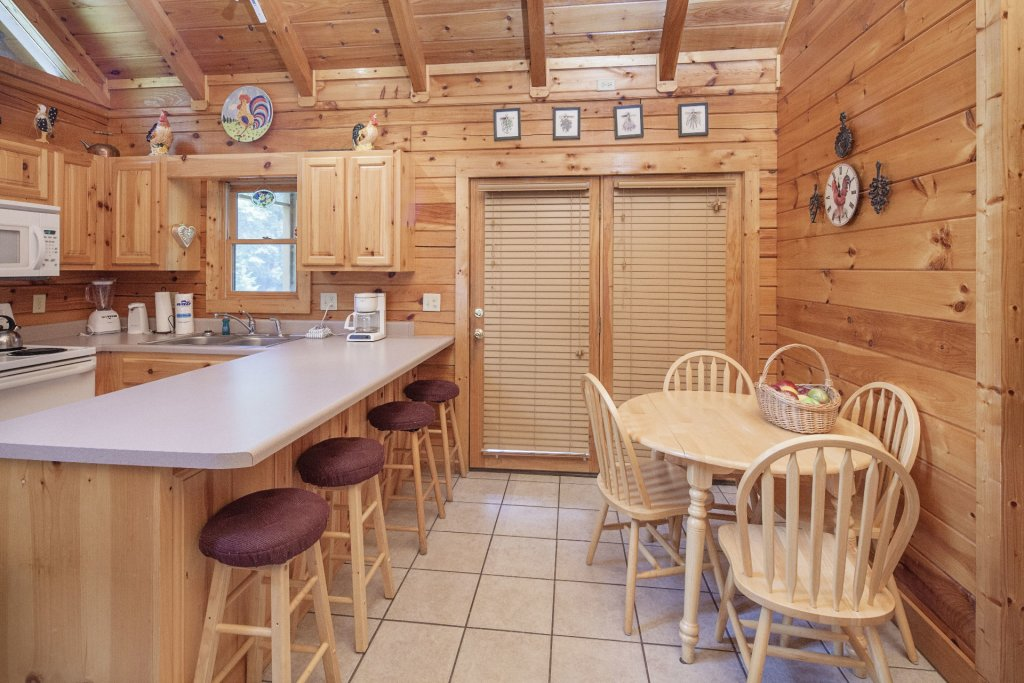 Photo of a Pigeon Forge Cabin named  Smooth Landing - This is the eighth photo in the set.