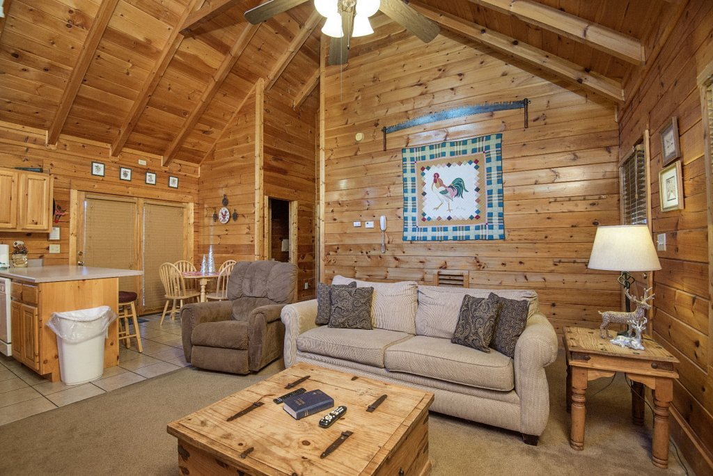 Photo of a Pigeon Forge Cabin named  Smooth Landing - This is the fourth photo in the set.
