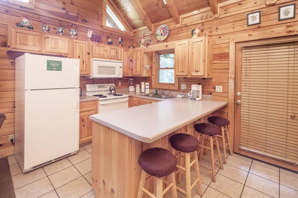 Photo of a Pigeon Forge Cabin named  Smooth Landing - This is the sixth photo in the set.
