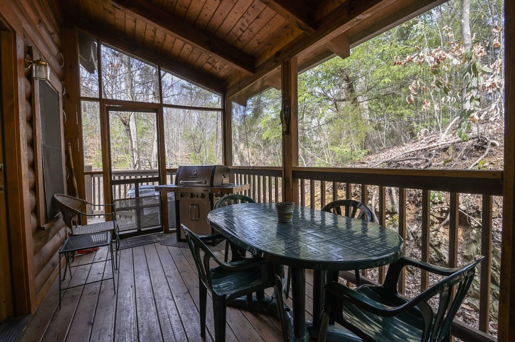 Photo of a Pigeon Forge Cabin named  Happy Haven - This is the twenty-second photo in the set.