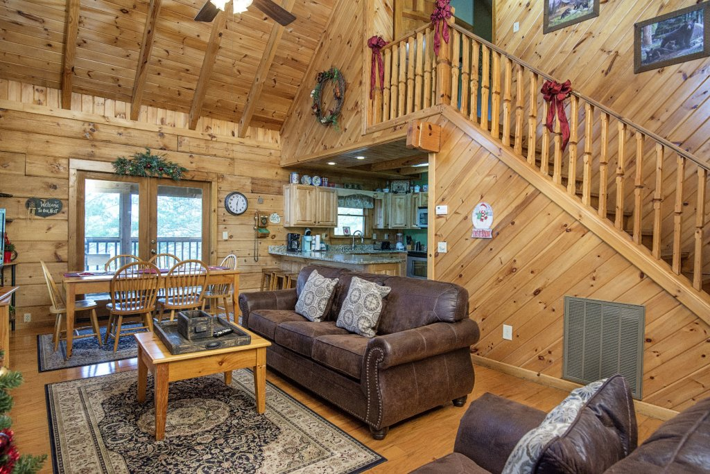 Photo of a Pigeon Forge Cabin named  Heaven's Delight - This is the fourth photo in the set.