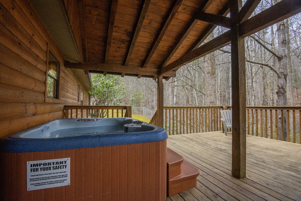 Photo of a Gatlinburg Cabin named Homespun Hospitality - This is the forty-seventh photo in the set.
