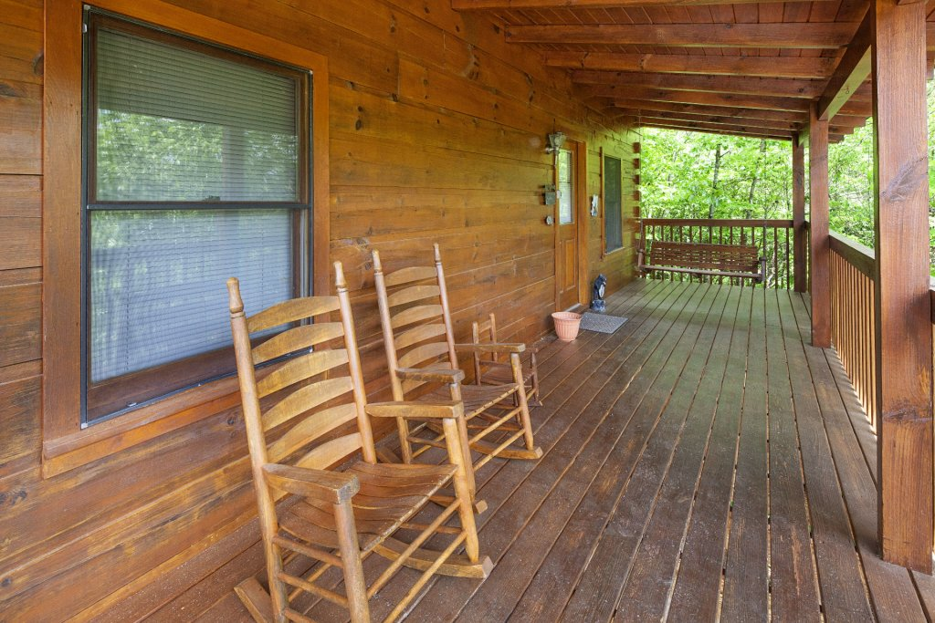 Photo of a Pigeon Forge Cabin named  Bear Naked - This is the twentieth photo in the set.