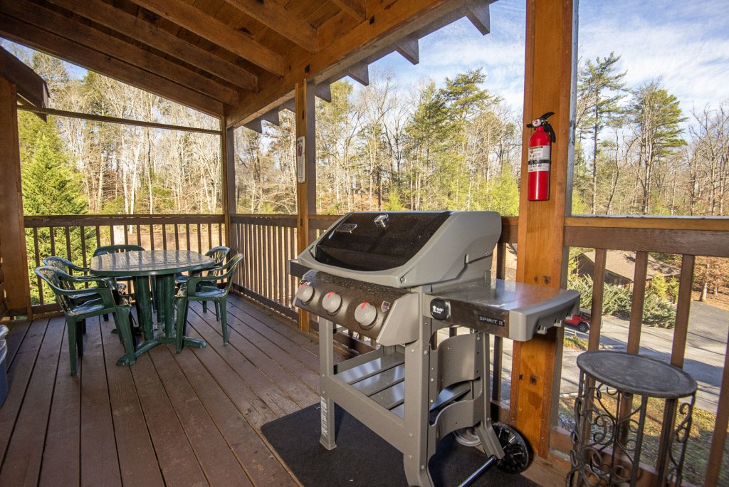 Photo of a Pigeon Forge Cabin named  Smooth Landing - This is the twenty-ninth photo in the set.