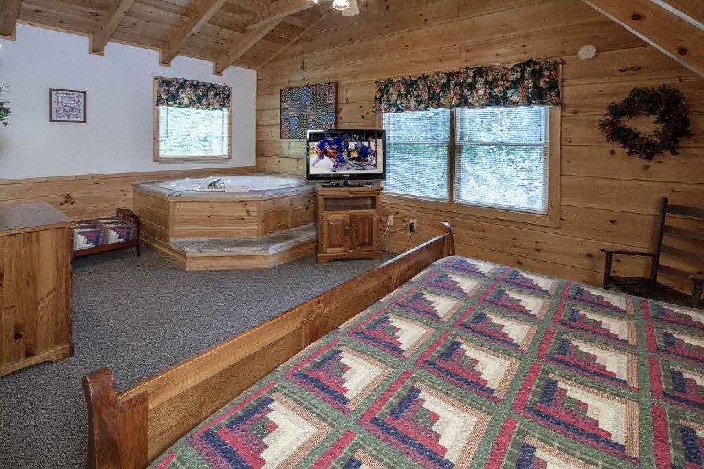 Photo of a Pigeon Forge Cabin named  George's - This is the twenty-second photo in the set.