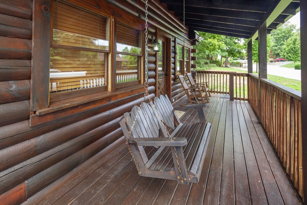 Photo of a Pigeon Forge Cabin named  Knotty Pine - This is the fourteenth photo in the set.