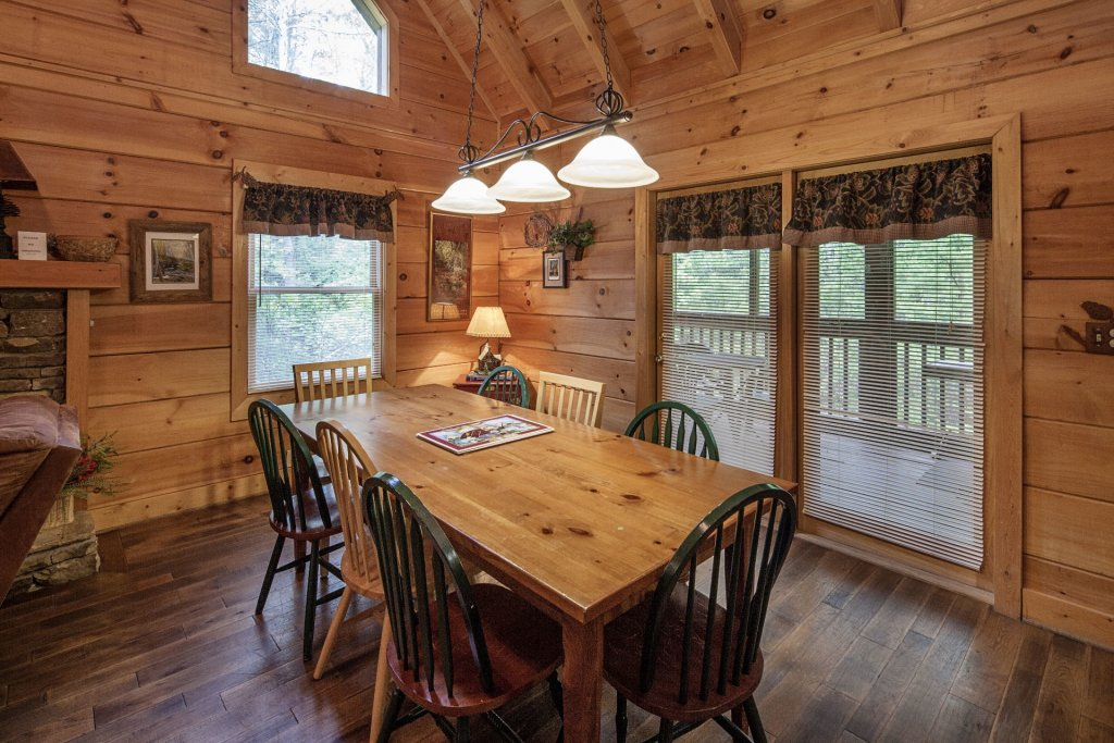 Photo of a Pigeon Forge Cabin named  George's - This is the seventh photo in the set.