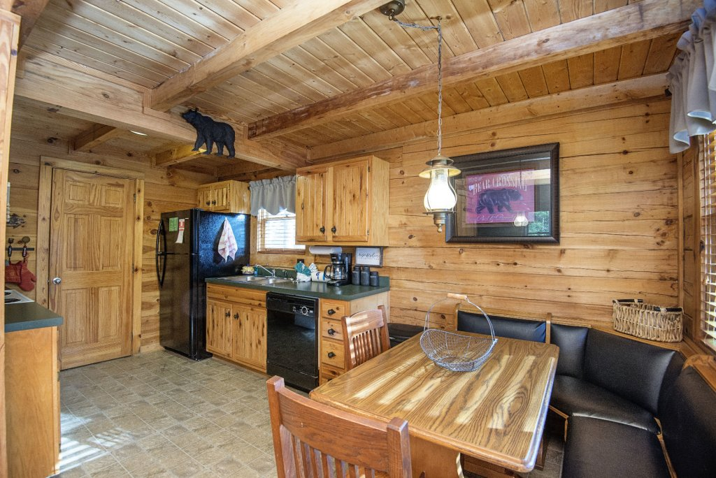 Photo of a Pigeon Forge Cabin named  Knotty Pine - This is the eighth photo in the set.
