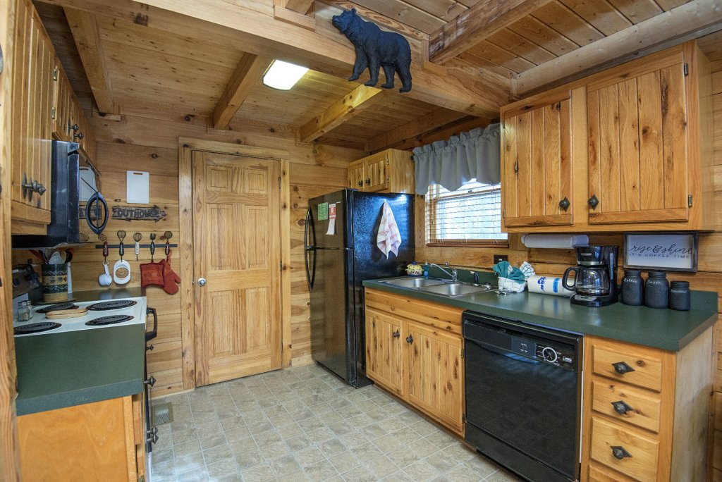 Photo of a Pigeon Forge Cabin named  Knotty Pine - This is the ninth photo in the set.