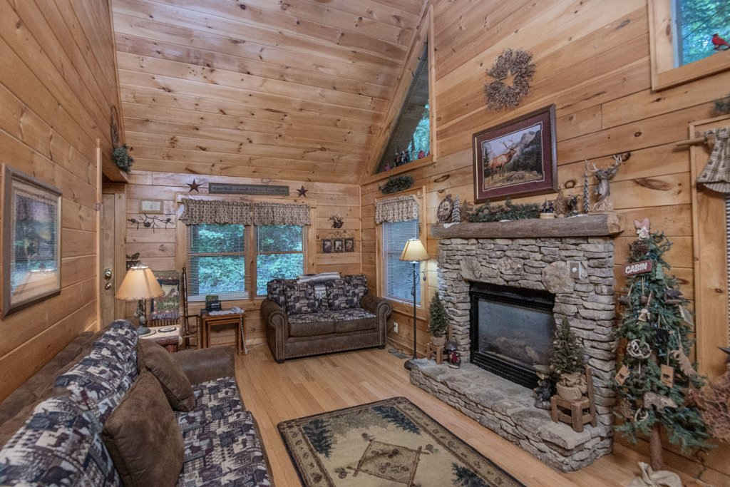 Photo of a Pigeon Forge Cabin named Mystic Mountain - This is the third photo in the set.