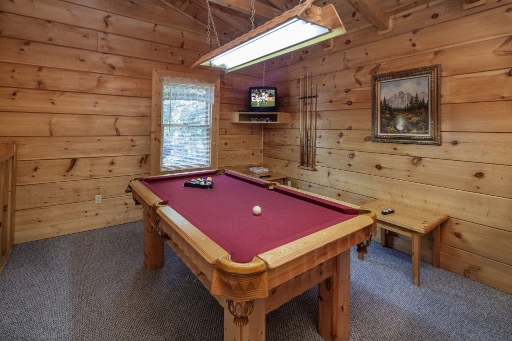 Photo of a Pigeon Forge Cabin named  Smoky Mountain Top - This is the tenth photo in the set.
