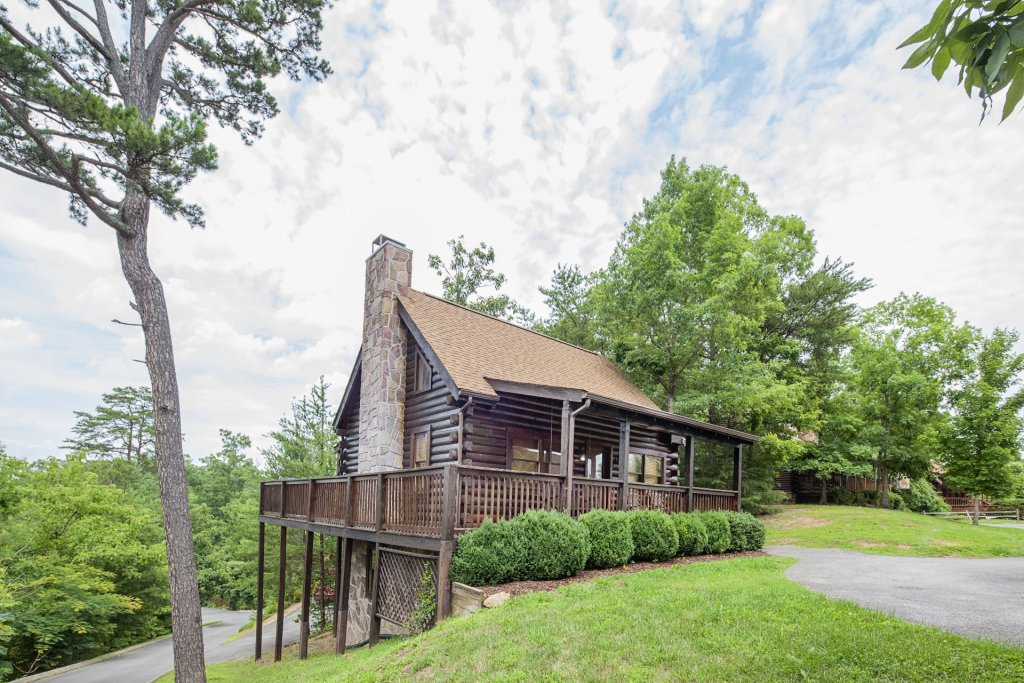 Photo of a Pigeon Forge Cabin named  Knotty Pine - This is the twelfth photo in the set.