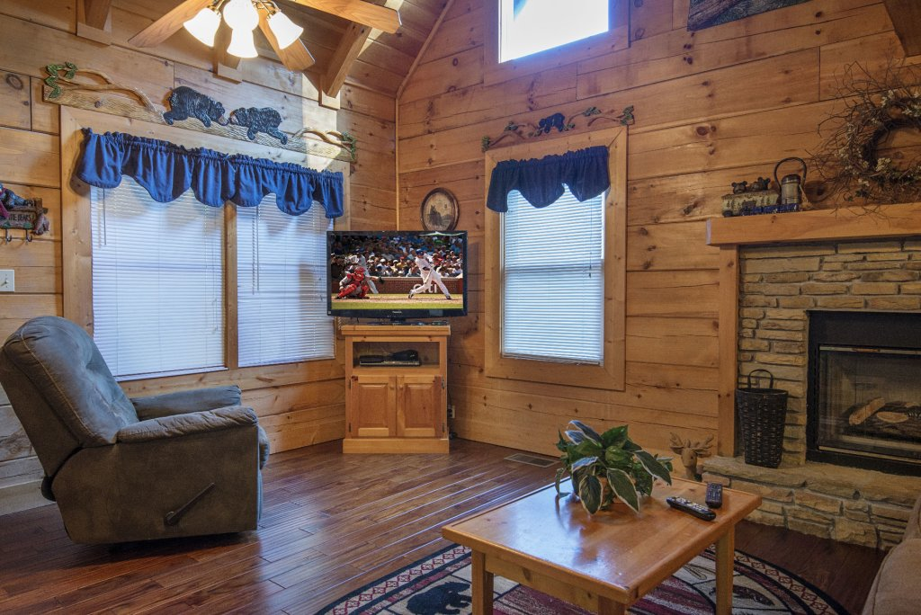 Photo of a Pigeon Forge Cabin named  Smoky Mountain Top - This is the sixth photo in the set.