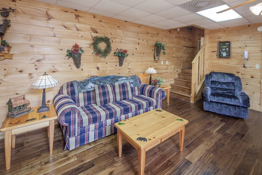 Photo of a Pigeon Forge Cabin named  The Cozy Bear - This is the seventh photo in the set.