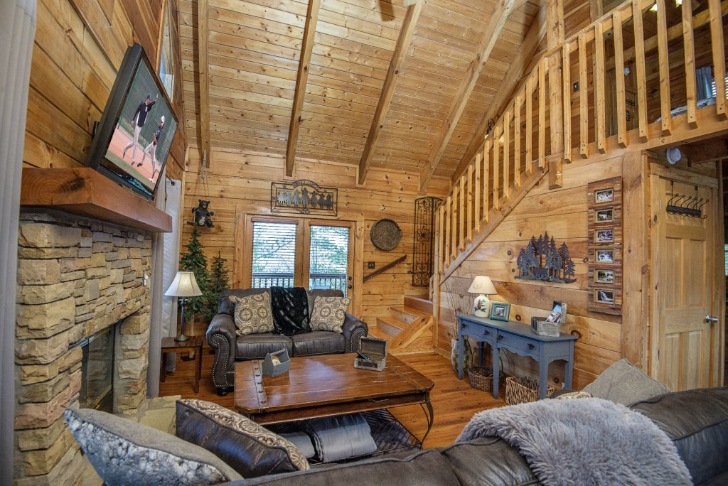 Photo of a Pigeon Forge Cabin named  Knotty Pine - This is the sixth photo in the set.