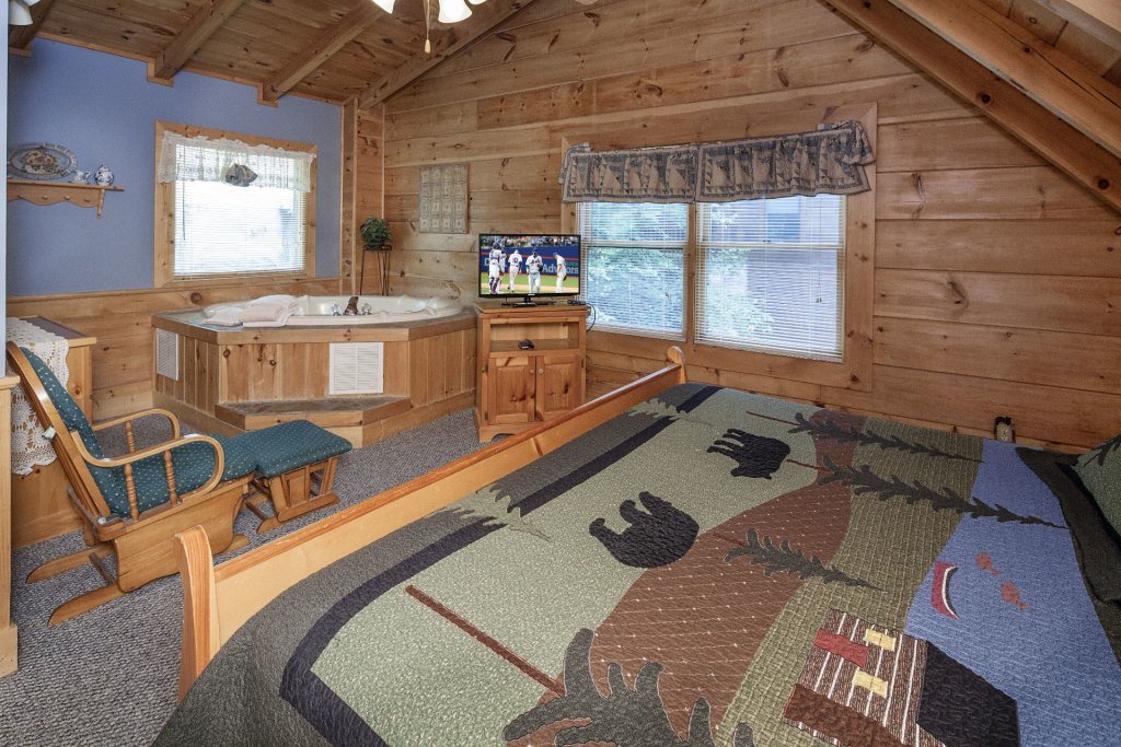 Photo of a Pigeon Forge Cabin named  Smoky Mountain Top - This is the fourteenth photo in the set.