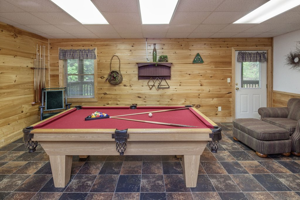 Photo of a Pigeon Forge Cabin named  George's - This is the ninth photo in the set.