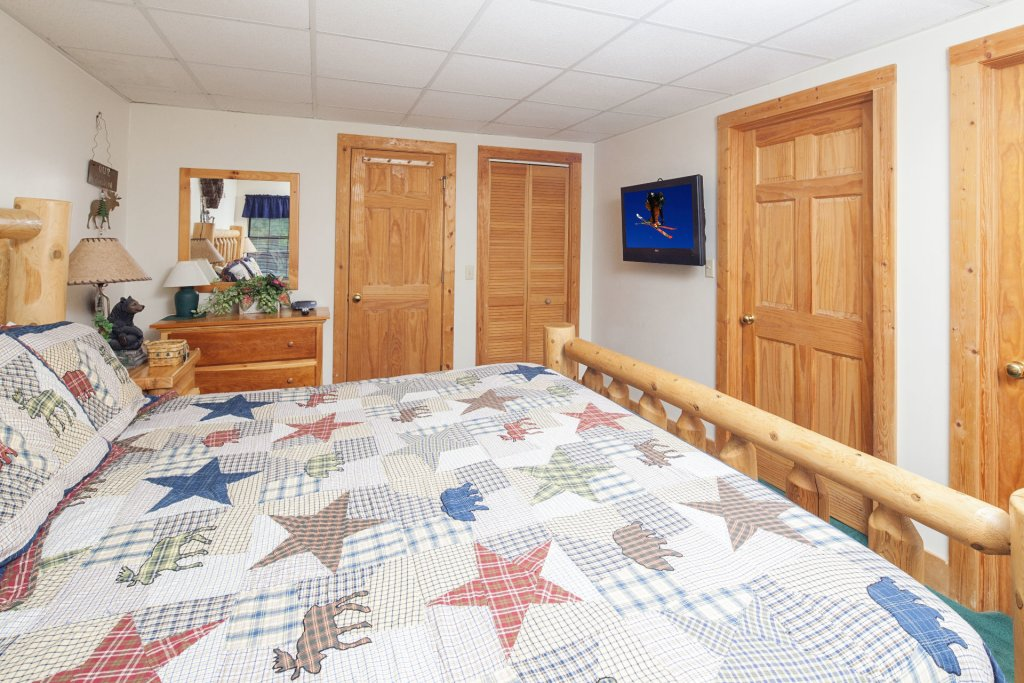 Photo of a Pigeon Forge Cabin named  Eagles Point - This is the seventeenth photo in the set.