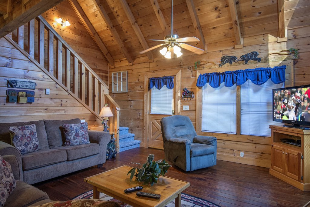 Photo of a Pigeon Forge Cabin named  Smoky Mountain Top - This is the fifth photo in the set.