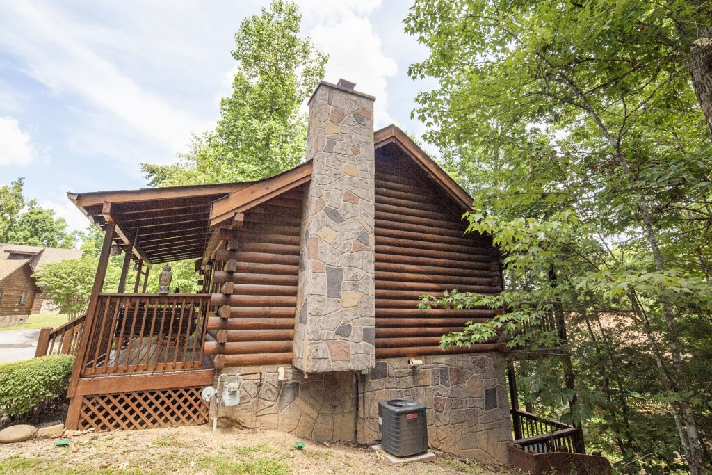 Photo of a Pigeon Forge Cabin named  Eagles Point - This is the twenty-second photo in the set.