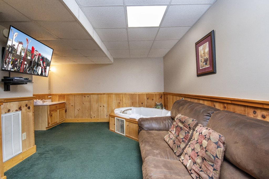 Photo of a Pigeon Forge Cabin named  Savage Loft (was Sweet Serenity) - This is the twentieth photo in the set.