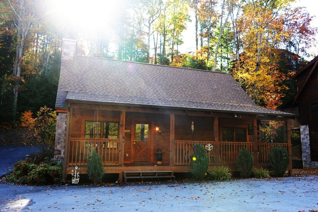 Photo of a Pigeon Forge Cabin named  Smoky Mountain Top - This is the first photo in the set.