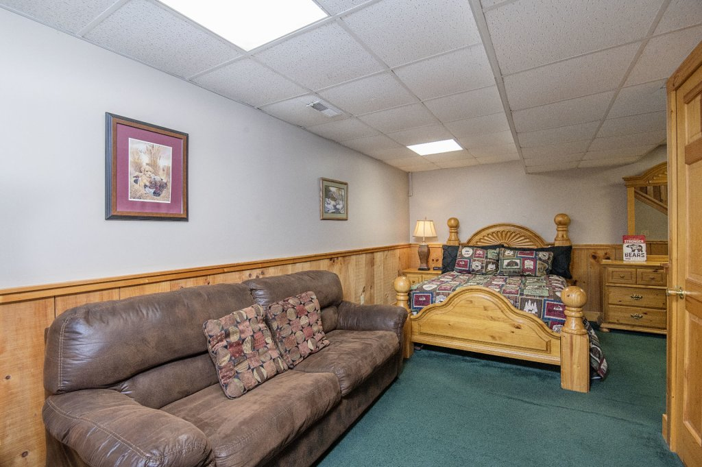 Photo of a Pigeon Forge Cabin named  Savage Loft (was Sweet Serenity) - This is the sixteenth photo in the set.