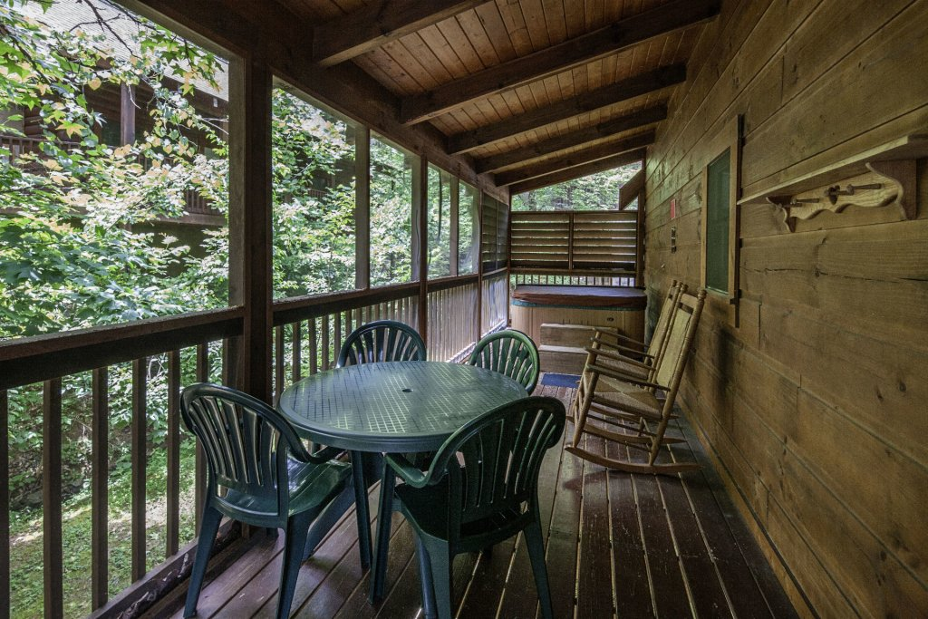 Photo of a Pigeon Forge Cabin named  Smoky Mountain Top - This is the sixteenth photo in the set.