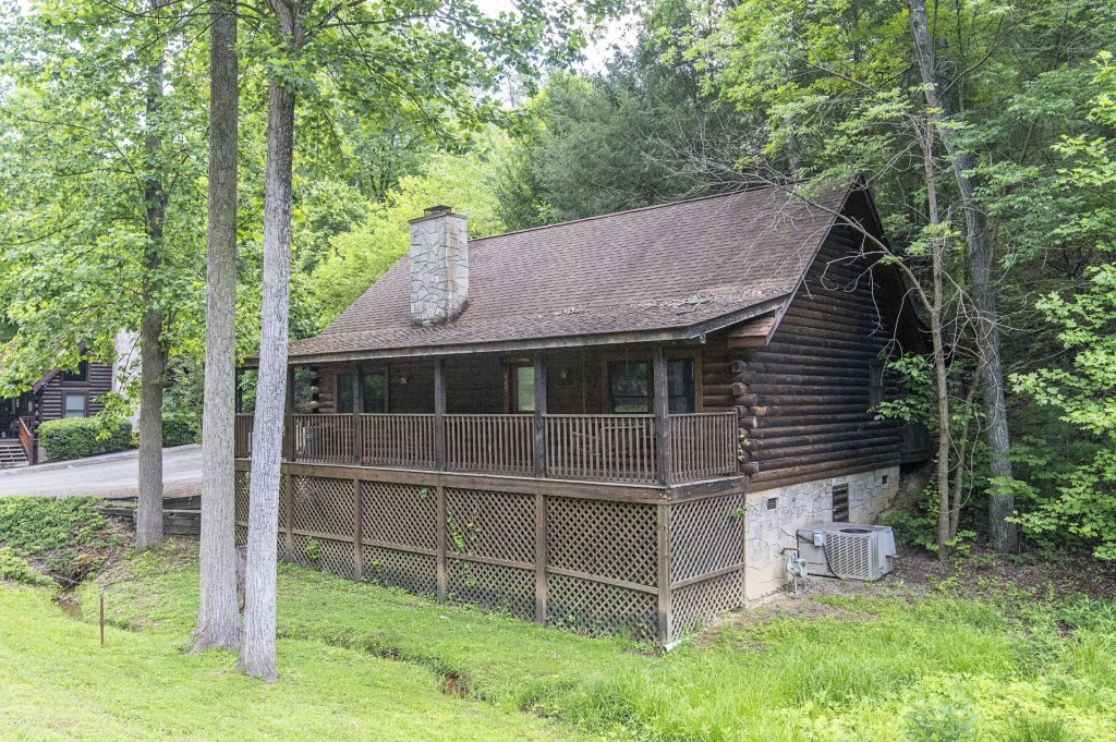 Photo of a Pigeon Forge Cabin named  Dream Catcher - This is the second photo in the set.