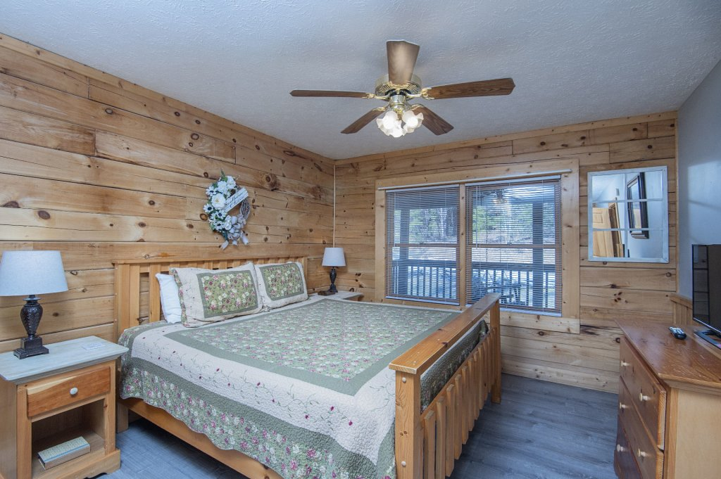 Photo of a Pigeon Forge Cabin named  Dream Catcher - This is the ninth photo in the set.