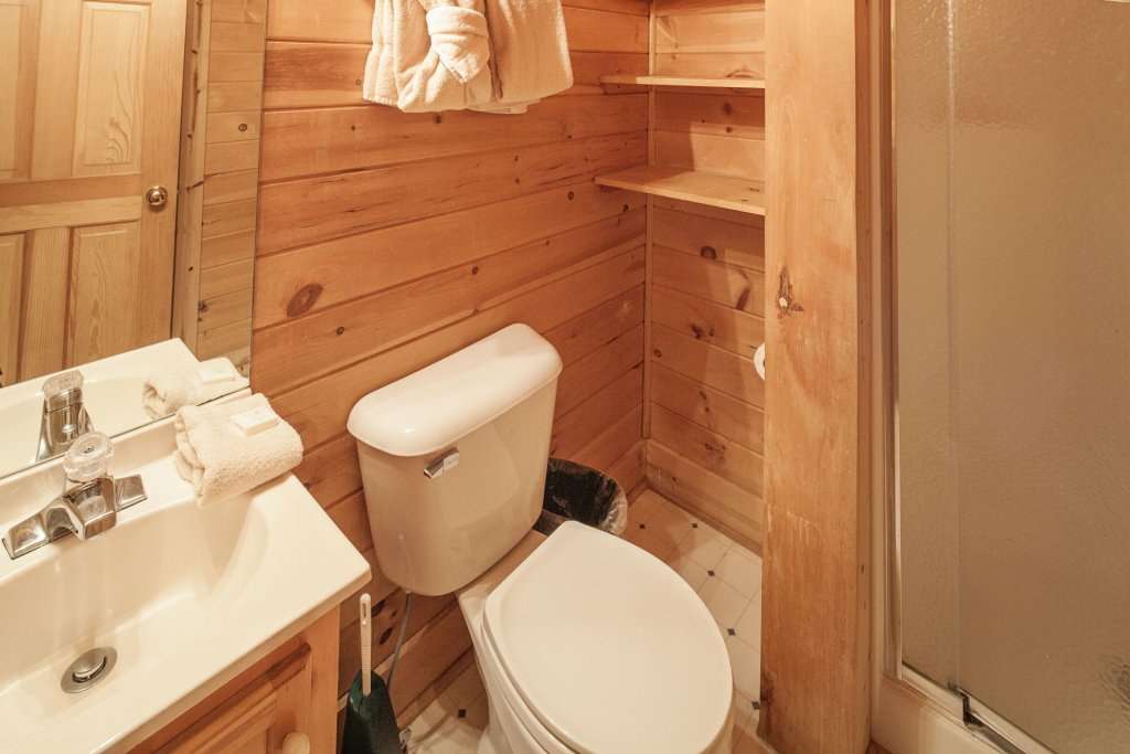 Photo of a Pigeon Forge Cabin named  Heavenly View - This is the thirty-first photo in the set.