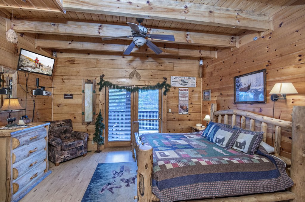 Photo of a Sevierville Cabin named  Wagon Wheel Lodge - This is the twenty-second photo in the set.