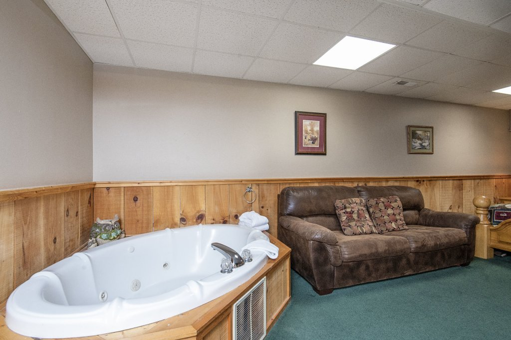 Photo of a Pigeon Forge Cabin named  Savage Loft (was Sweet Serenity) - This is the eighteenth photo in the set.