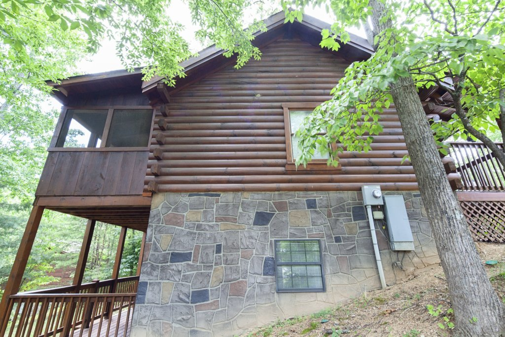 Photo of a Pigeon Forge Cabin named  Eagles Point - This is the twentieth photo in the set.