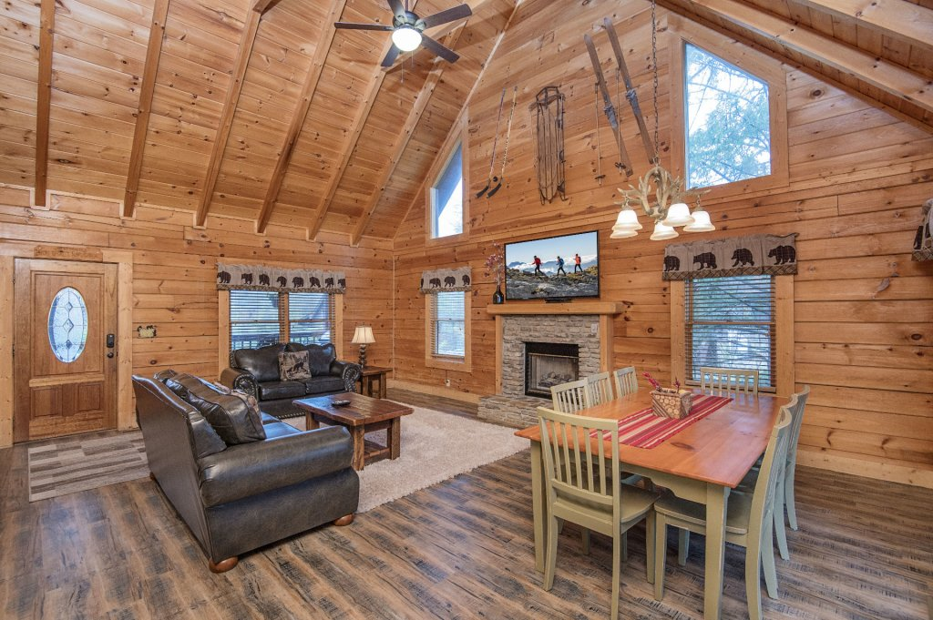 Photo of a Pigeon Forge Cabin named  Heavenly Hideaway - This is the fourth photo in the set.